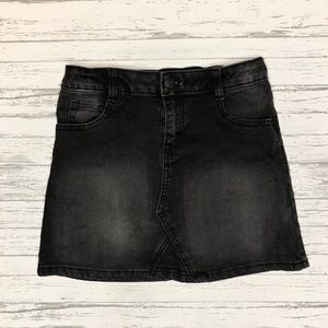 Girls Crazy 8 skirt great condition size 10
